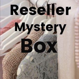 ⭐️ Women's RESELLER MYSTERY BOX Various sizes ⭐️